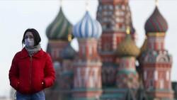 Rusya'da koronavirüs vakaları artması ile tatil ilan edildi