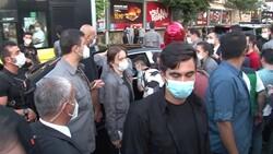 İstanbul'da vatandaşlardan Cumhurbaşkanı Erdoğan'a sevgi gösterisi