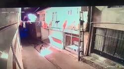 Diyarbakır'da, AK Parti Hani ilçe binasına molotoflu saldırı