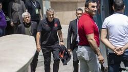 A Milli Futbol Takımı, Bakü'de kaldığı otelden ayrıldı