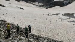Hakkari'de 20 bin yıllık buzullarda erime başladı