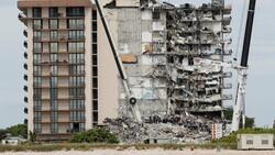 Miami'de kısmen çöken 13 katlı binanın tamamı yıkılacak