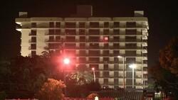 Miami'de bir kısmı çöken binanın tamamı kontrollü şekilde yıkıldı