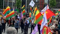 Almanya'da PKK destekçileri Alman polisini protesto etti