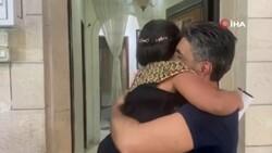 Filistinli baba ile kızı 8 yıl sonra kavuştu