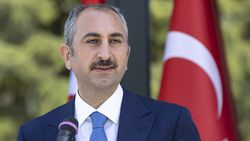 Abdulhamit Gül: Vesayetle mücadele, Anayasa ile taçlanmalı