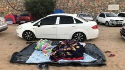 Antalya'da otellerde yer kalmayınca tatilciler dışarda yattı