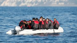 482 göçmen, Manş Denizi'ni geçti