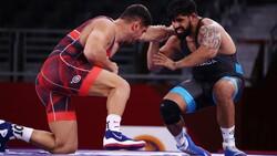 Milli güreşçi Taha Akgül Tokyo'da çeyrek finalde