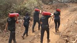 Polislerimizin yangınlarla mücadelesi böyle görüntülendi