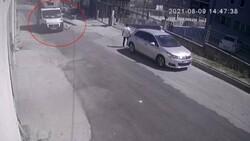 Esenyurt'ta kamyonetin köpeğe çarptığı anlar kamerada