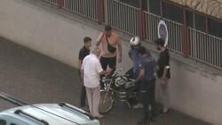Gaziantep'te motosiklet yan yattı, kayarak otomobile çarptı