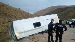 Kayseri'de midibüs dere yarağına devrildi: 29 yaralı
