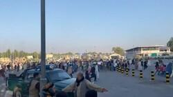 Kabil Uluslararası Havalimanı'nda hayatını kaybedenler oldu