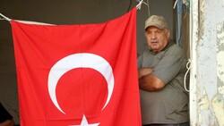 Bozkurt'ta selin vurduğu esnaf Türk bayrağından güç alıyor