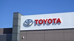 Toyota çip tedarik sorunu nedeniyle 14 fabrikasını daha kapatıyor