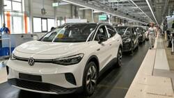 Volkswagen, çip krizi nedeniyle üretimi azaltıyor