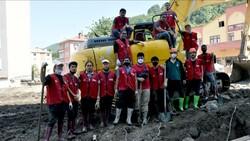 Türkiye'de eğitim alan yabancı öğrenciler Bozkurt'a yardıma gitti