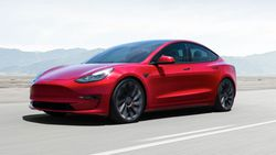1 milyon satış barajını geçen ilk elektrikli araç Tesla Model 3 oldu