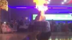 Şanlıurfa'da davulcunun alevli şovu sırasında kafası yandı