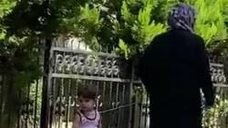 Küçükçekmece'de iple çocuk gezdiren kadın