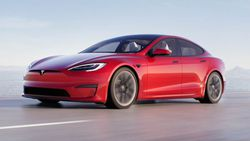 Tesla, çip krizi nedeniyle Çin'de üretime ara verdi