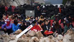Karadağ'da taht töreni protestosu