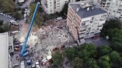 İzmir'de yıkılan 'Doğanlar Apartmanı' davası başladı