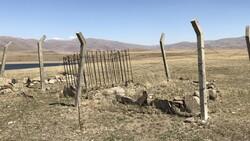 Erzurum'da baraj sularının çekilmesiyle mezarlık ortaya çıktı