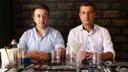 Antalya'da iki arkadaş elektronik atıklardaki altınları ayrıştırıyor