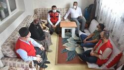 Kars'ta sağlık ekipleri aşılama için kapı kapı dolaşıyor