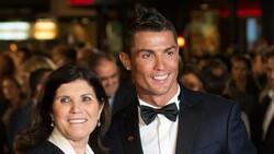 Cristiano Ronaldo'nun annesi: Oğlum futbolu bıraksaydı duvar ustası olurdu