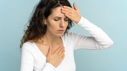Kalp hastalıklarını gösteren 10 önemli belirti