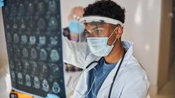 Koronavirüs geçirenlerin beyninde küçülme tespit edildi