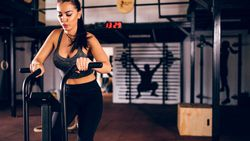 Çok fazla egzersiz yaptığınızı gösteren 8 işaret