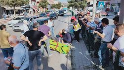 Karabük'te otomobilin yaya çarpma anı güvenlik kamerasına yansıdı