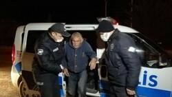 Aksaray'da yolunu kaybeden görme engelli vatandaşı polis evine götürdü