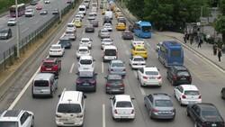 Hafta sonu kısıtlaması öncesi trafik yoğunluğu