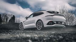 Aston Martin'in ilk SUV'u DBX, yeni renkleriyle de büyüleyecek