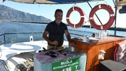 Dalyan'da tekneciler turistleri bekliyor