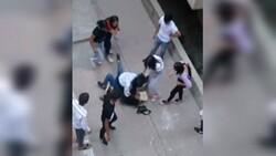 Şanlıurfa'da kızların kavgasını erkekler uzaktan izledi