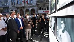 Mehmet Muharrem Kasapoğlu, başkonsoloslarla 'Altın kalpli eldiven' sergisini gezdi