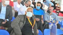 Suvermez Kapadokyaspor'un başkanı oksijen tüpüyle maç izledi