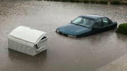 Ankara'da sağanak yağış nedeniyle ev ve iş yerlerini su bastı
