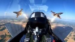 F-16 pilotlarının eğitim uçuşu nefes kesti