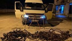 Denizli'de hırsız sevgililer, çaldıkları 70 bin liralık kabloyu eritirken yakalandı