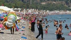 Antalya sahillerinde sınav sonu yoğunluğu