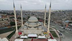Türkiye'nin inşa ettiği Gana Millet Cami ve Külliyesi ibadete açıldı