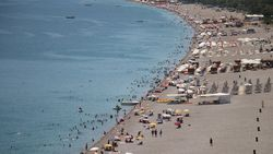 Antalya'da nem oranı yüzde 5'e düştü
