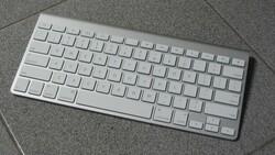 Apple'ın TOUCH ID'li klavyesi Magic Keyboard, Türkiye'de satışta